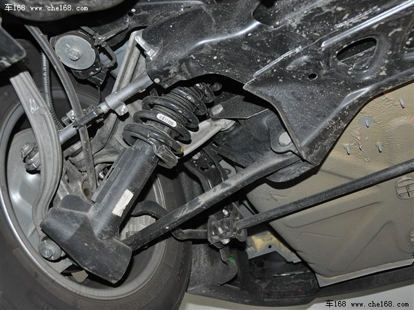 并且,c5前后悬挂的连杆与副车架之间采用了液压衬套,进一步吸收和缓冲图片