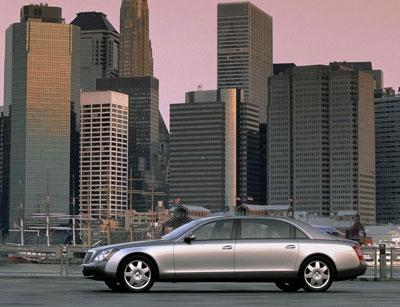 在r8的风光之下,奥迪还带来了其他明星车型,女人缘极佳的tt,a5
